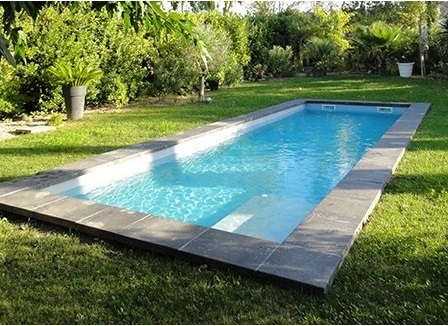 dimension piscine coque free riviera with dimension piscine coque great piscine couloir de. Black Bedroom Furniture Sets. Home Design Ideas