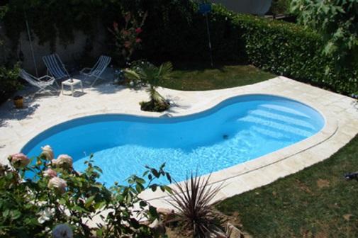 Paradise piscine for Piscine coque acrylique